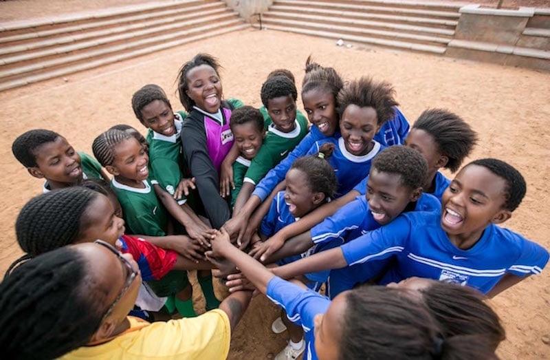GRS girls cheering